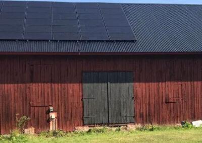 Solceller på lantbruk norr om Enköping